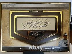 Roberto Clemente 2020 Topps Transcendent Framed Cut Signature Auto 1/1 Pirates