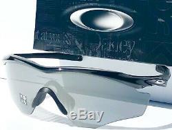 Nouveau Oakley M2 Polarise Noir Cadre Iridium XL Baseball Tennis Sunglass 9343-09