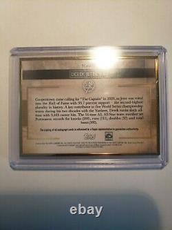 Topps 2020 Transcendant Gold Frame Derek Jeter Auto #17/25 The Captain Yankees